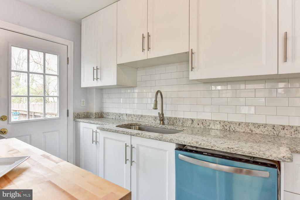 New Cabinetry + Modern Sink + Faucet - 4833 9TH ST N, ARLINGTON