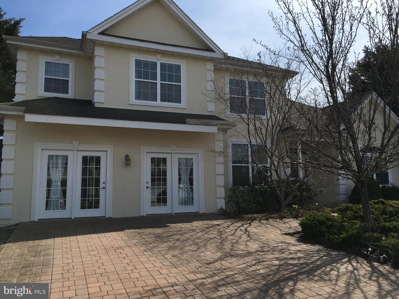 Maison unifamiliale pour l Vente à 16 ALEXANDRA WAY Tuckerton, New Jersey 08087 États-UnisDans/Autour: Little Egg Harbor Twp