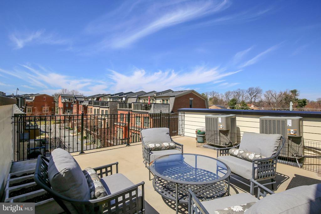 Roof deck/balcony 2 - 10884 SYMPHONY PARK DR, NORTH BETHESDA