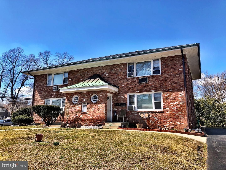 Разнобразная частная недвижимость для того Продажа на 6 CLARENDON Avenue Hamilton, Нью-Джерси 08620 Соединенные ШтатыВ/Около: Hamilton Township