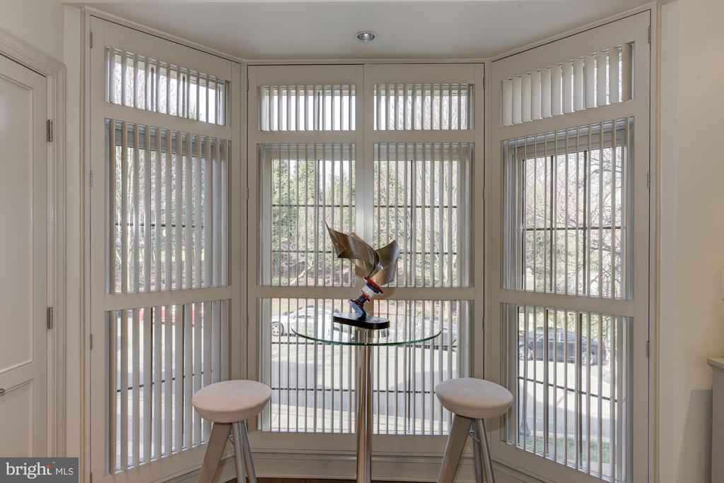 Top of the Line Window Treatments - 2131 N SCOTT ST, ARLINGTON