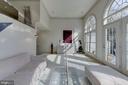 Large Luxurious Living Room - 2131 N SCOTT ST, ARLINGTON