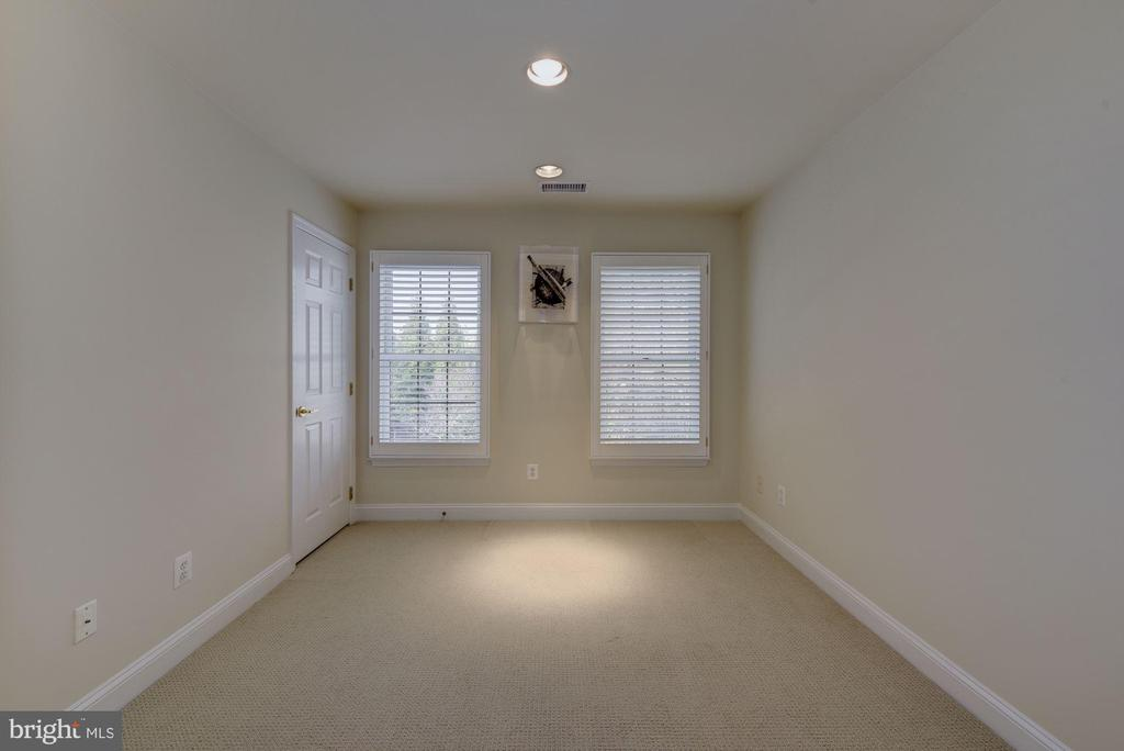Guest Room or Den - 2131 N SCOTT ST, ARLINGTON