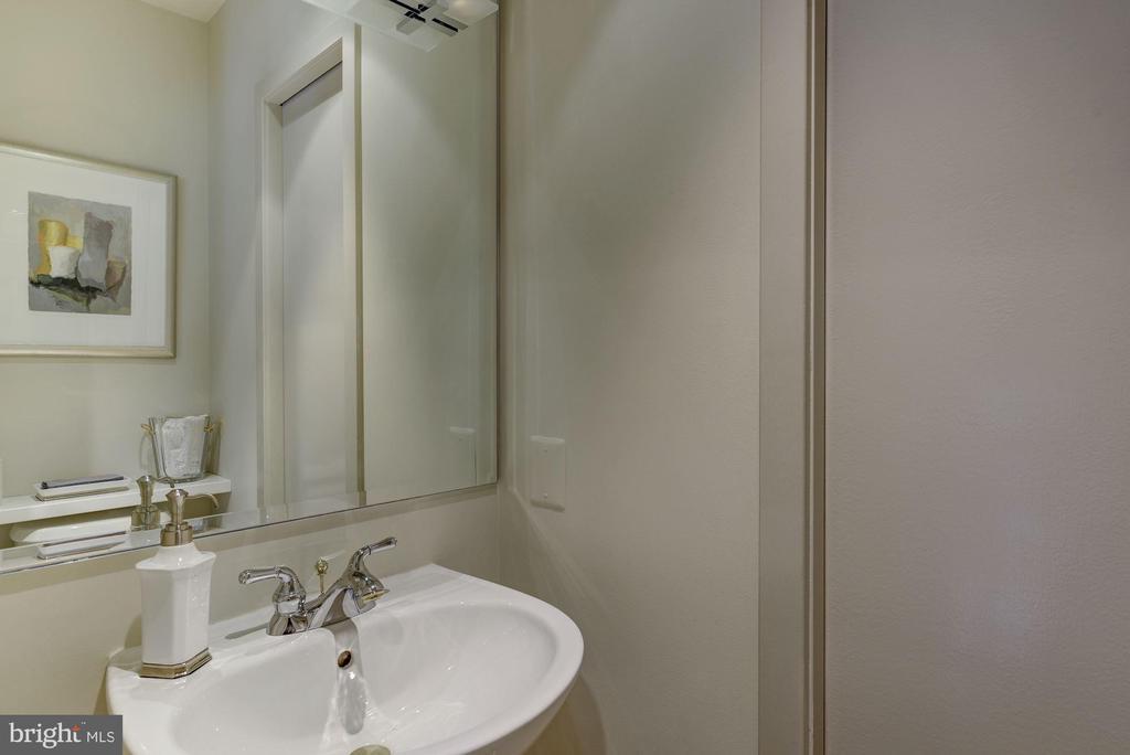 Powder Room with Hidden Pantry - 2131 N SCOTT ST, ARLINGTON