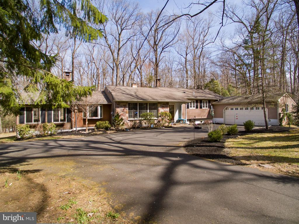 2931  SNAKE HILL ROAD, Doylestown, Pennsylvania
