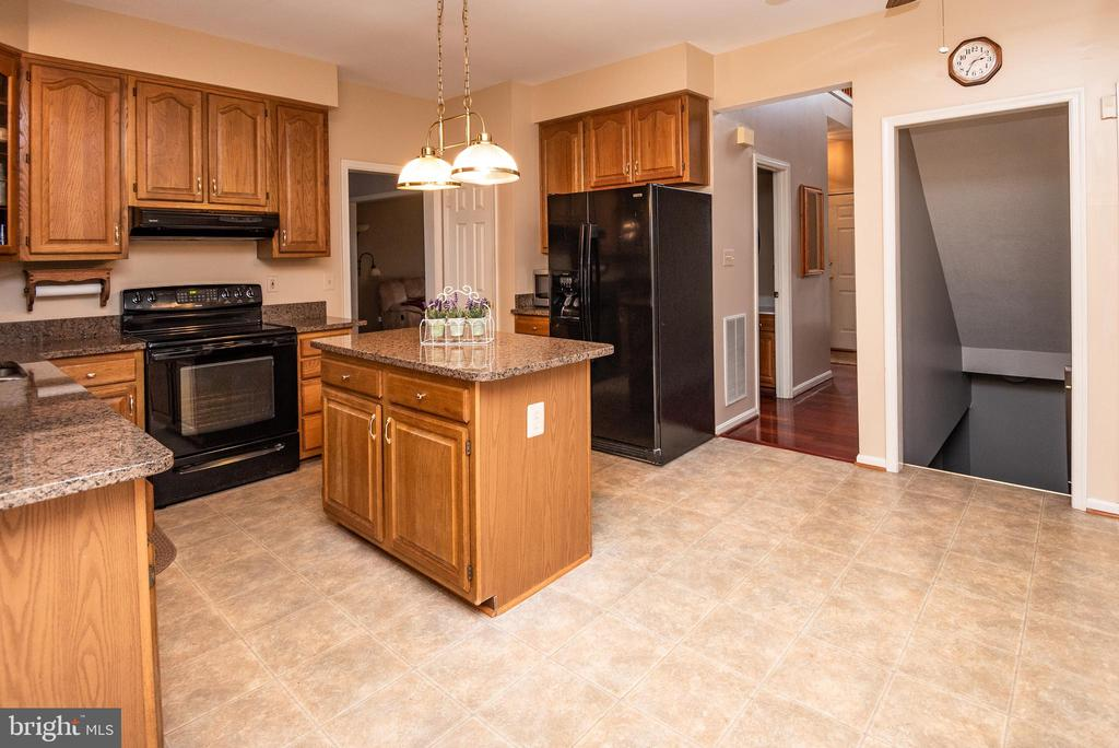 - 12214 TIMBER RUN CT, MONROVIA