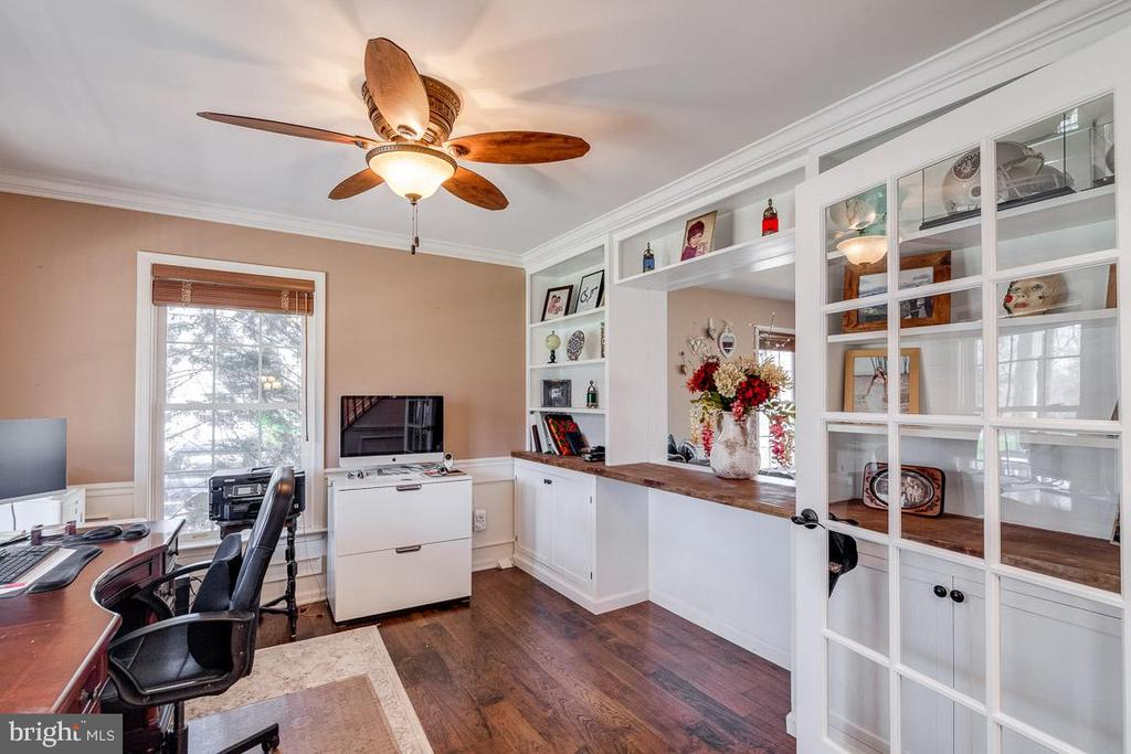 Perfect Home Office Space. - 12840 DUSTY WILLOW RD, MANASSAS