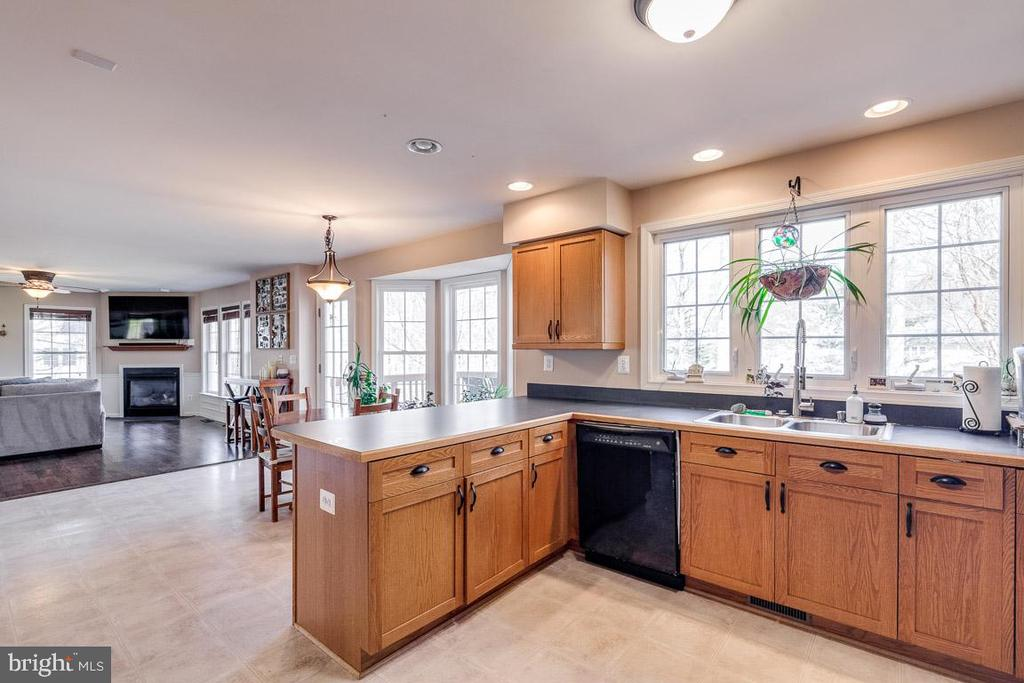 Open Concept - 12840 DUSTY WILLOW RD, MANASSAS