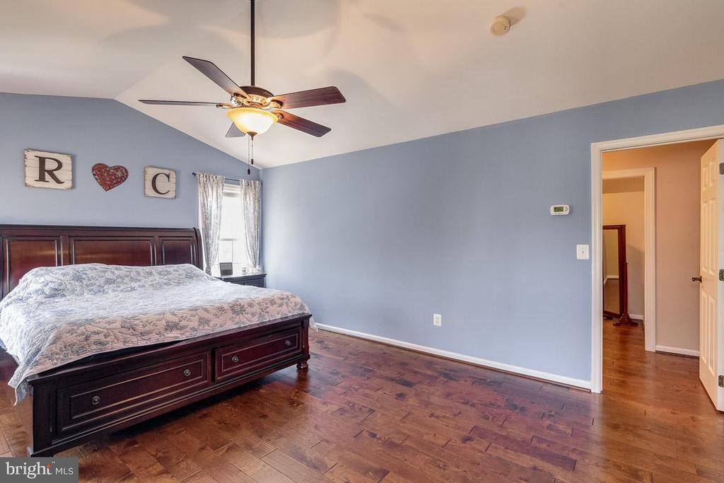 Plenty of Space in Master Bedroom - 12840 DUSTY WILLOW RD, MANASSAS