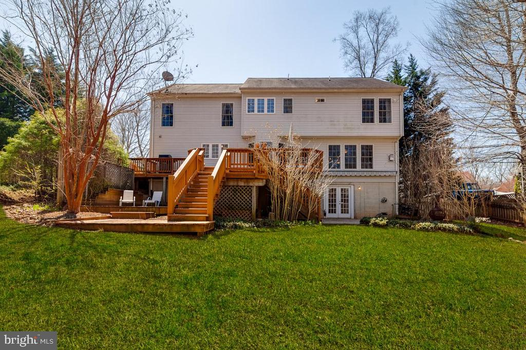 Large 1/2 acre fully fenced back yard - 12840 DUSTY WILLOW RD, MANASSAS