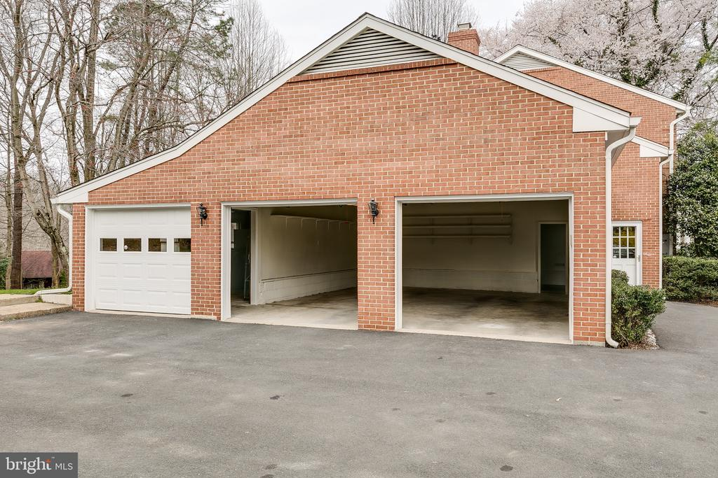 Three Car Garage w/Shelving & Ample Storage - 8619 GEORGETOWN PIKE, MCLEAN