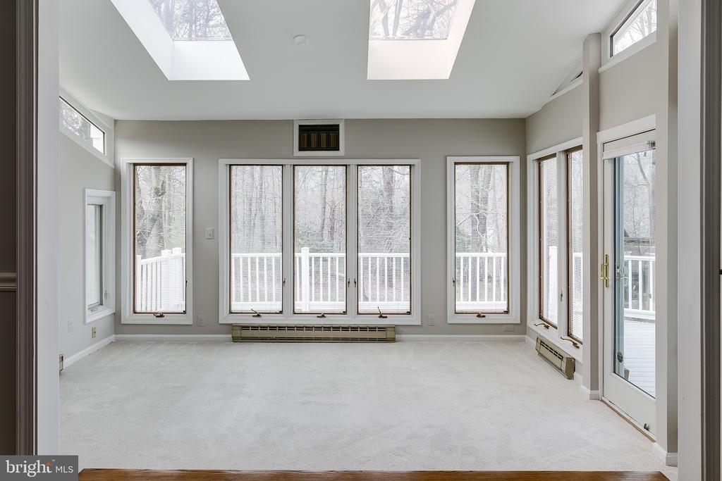 Four Season Sunroom w/Skylights & Deck Walkout - 8619 GEORGETOWN PIKE, MCLEAN