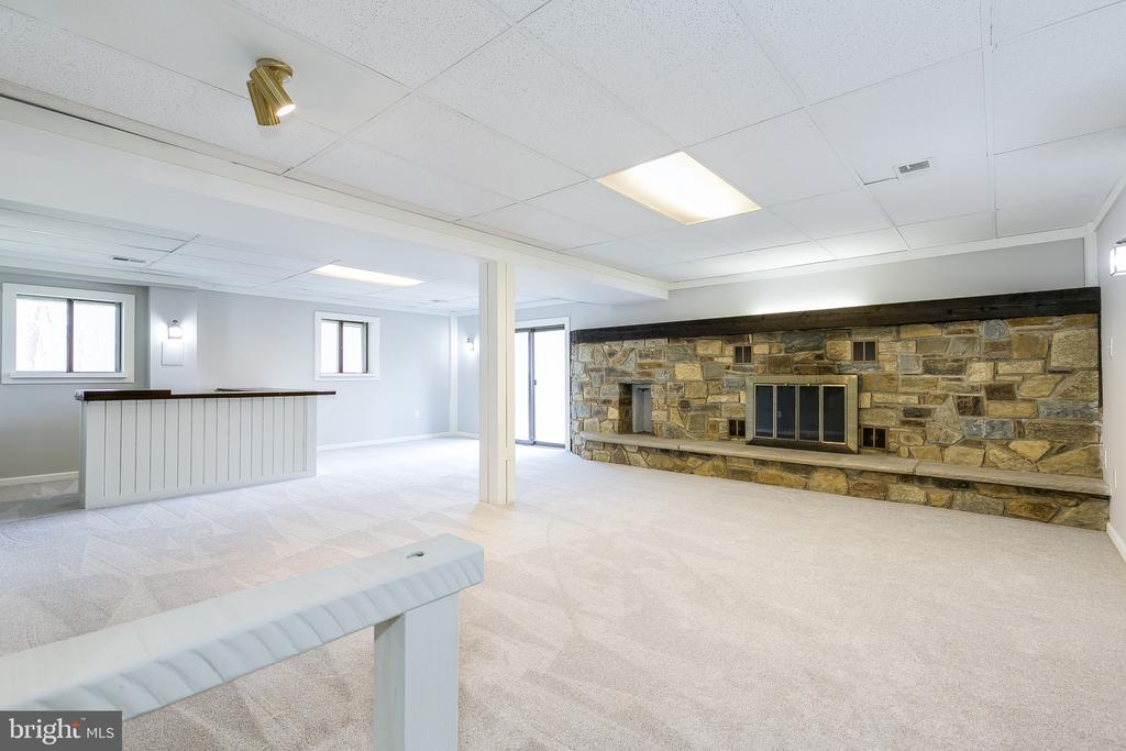 Walk-out Basement w/Recreation Room & Fireplace - 8619 GEORGETOWN PIKE, MCLEAN