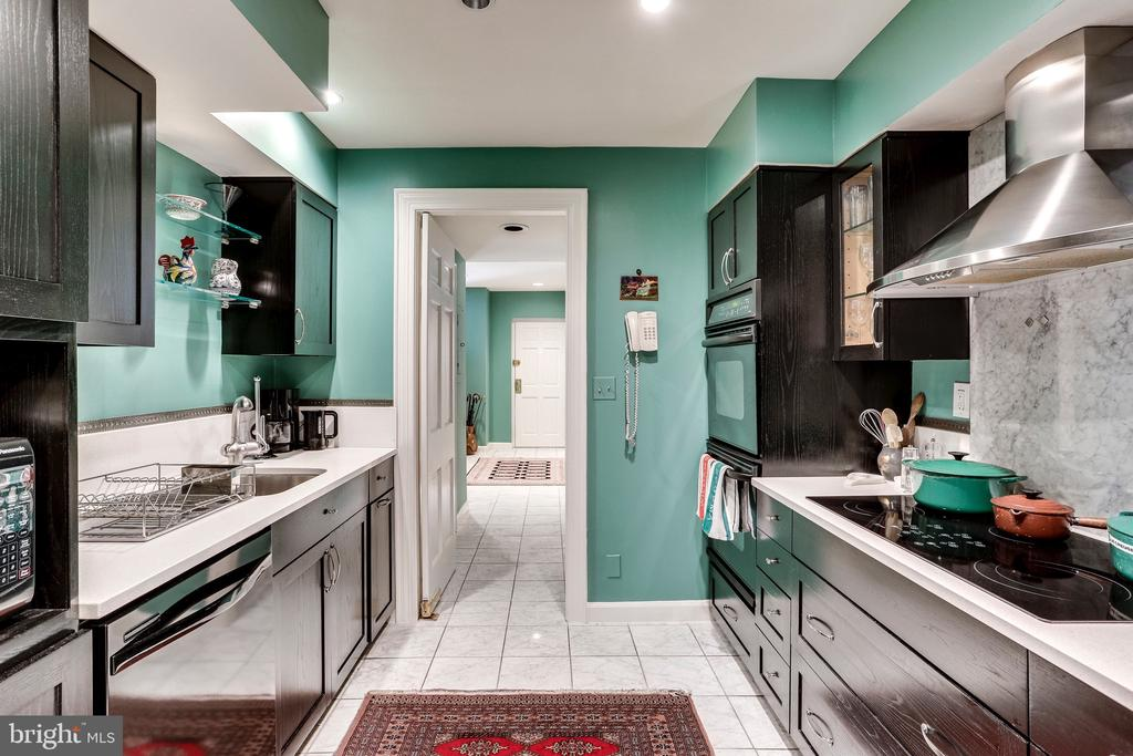 Galley Kitchen with updated appliances - 2301 CONNECTICUT AVE NW #1B, WASHINGTON