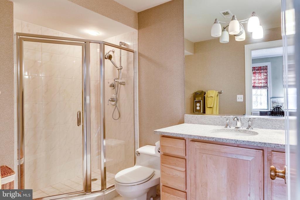 2nd private bathroom - 2301 CONNECTICUT AVE NW #1B, WASHINGTON