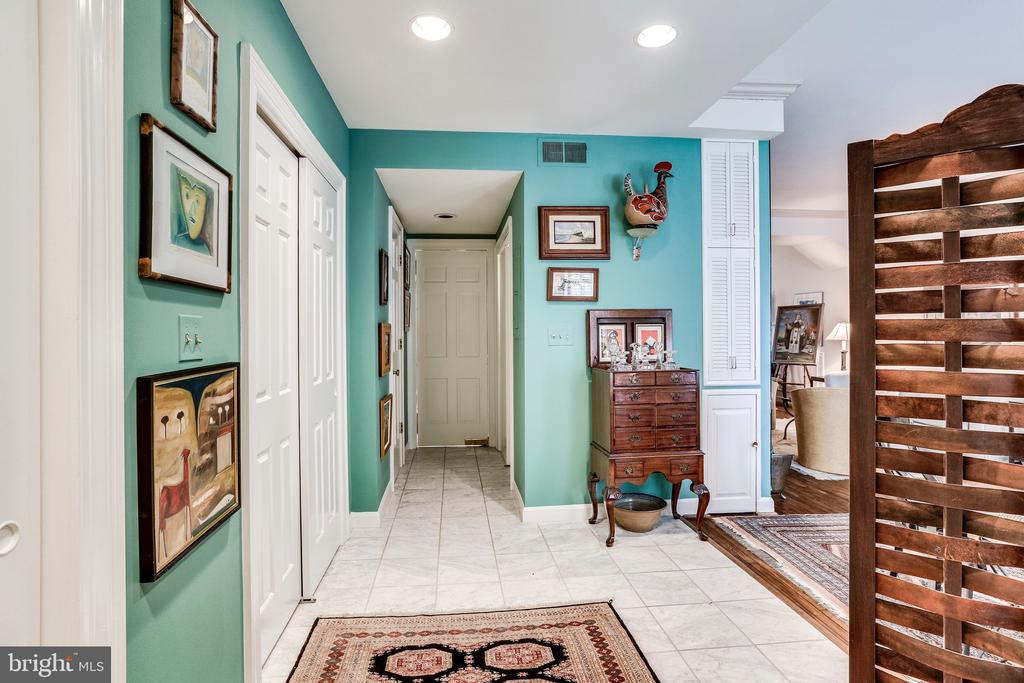 2nd foyer from private entrance - 2301 CONNECTICUT AVE NW #1B, WASHINGTON