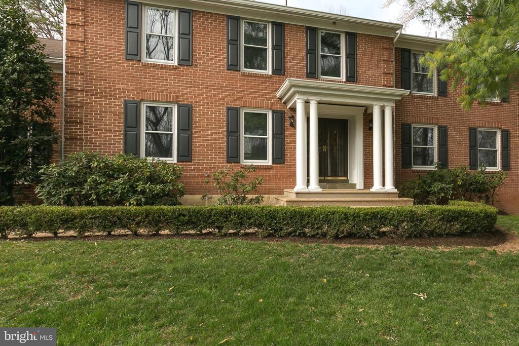 Inviting Portico Entry w/Tuscan Columns - 8619 GEORGETOWN PIKE, MCLEAN