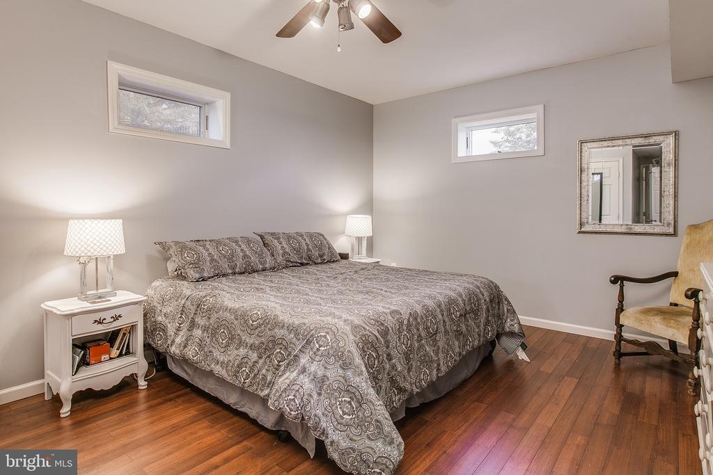 5th bedroom located in lower level - 9154 MYERSVILLE RD, MYERSVILLE