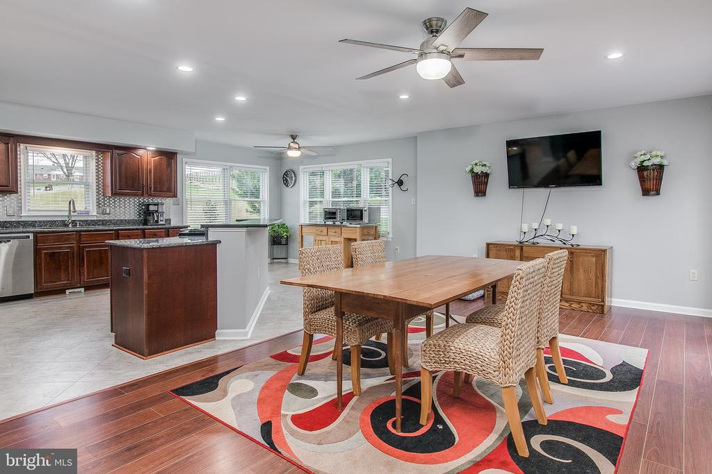 Ample space in kitchen for table - 9154 MYERSVILLE RD, MYERSVILLE