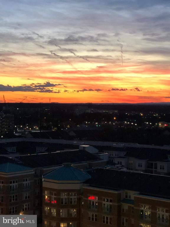 Beautiful Sunset over Blue Ridge Mountains - 11990 MARKET ST #1101, RESTON