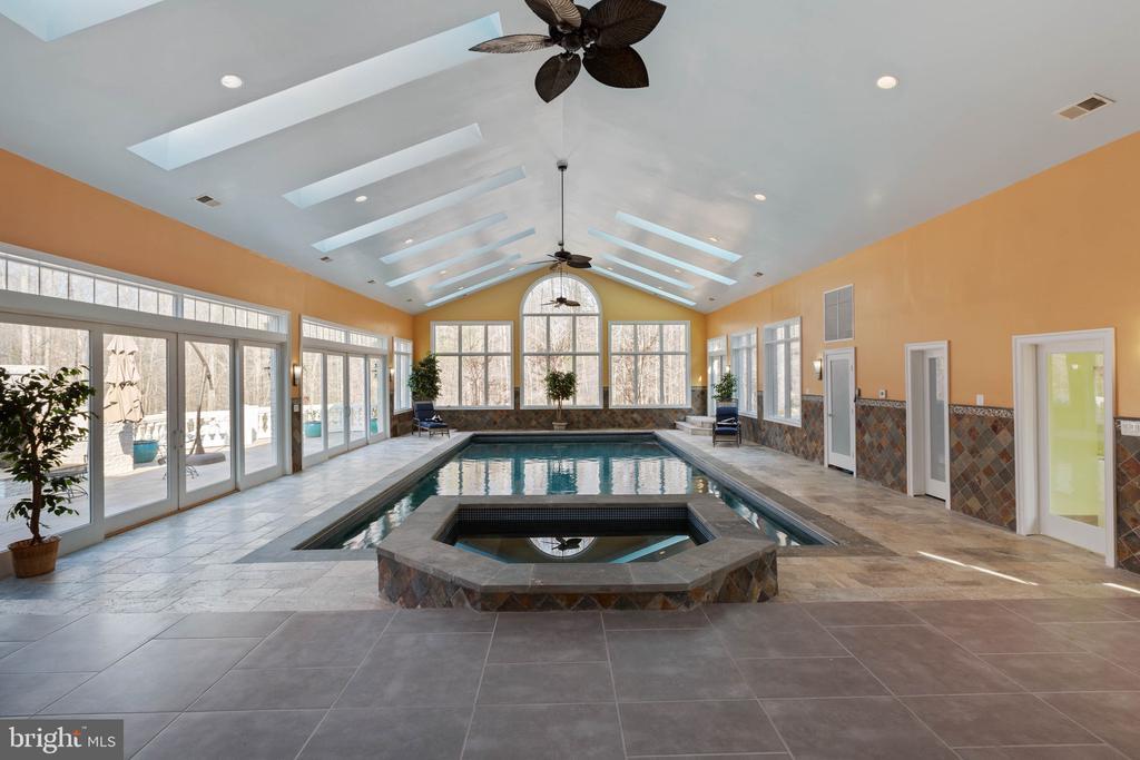 Indoor pool, spa w/water fall - 8033 WOODLAND HILLS LN, FAIRFAX STATION