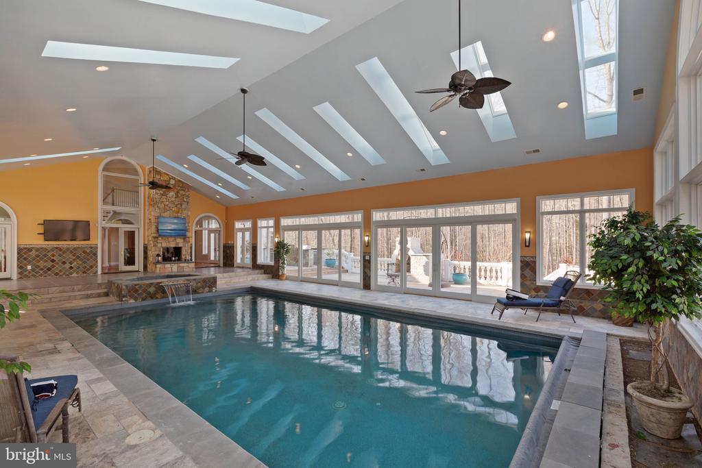 Indoor pool house - 8033 WOODLAND HILLS LN, FAIRFAX STATION