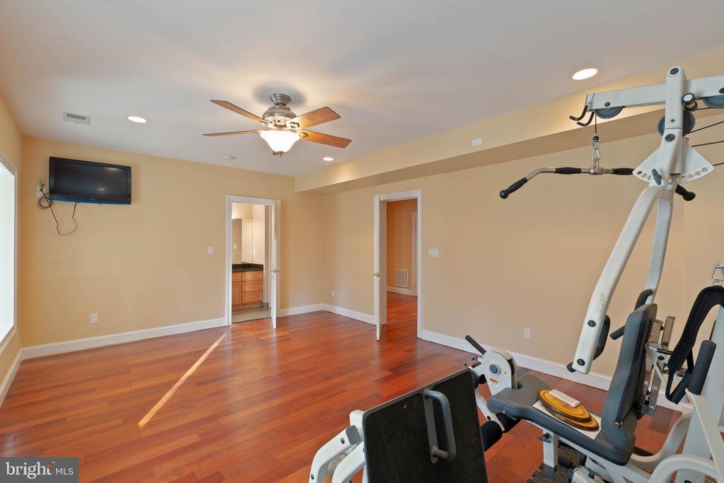 exercise room - 8033 WOODLAND HILLS LN, FAIRFAX STATION