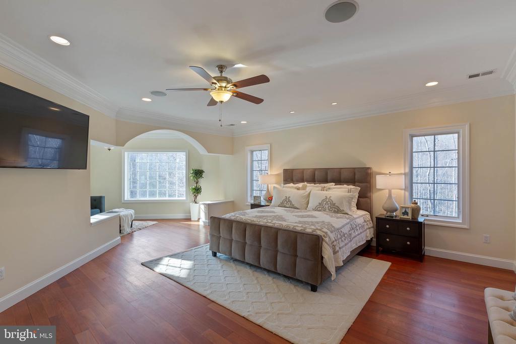 Master Bedroom - 8033 WOODLAND HILLS LN, FAIRFAX STATION