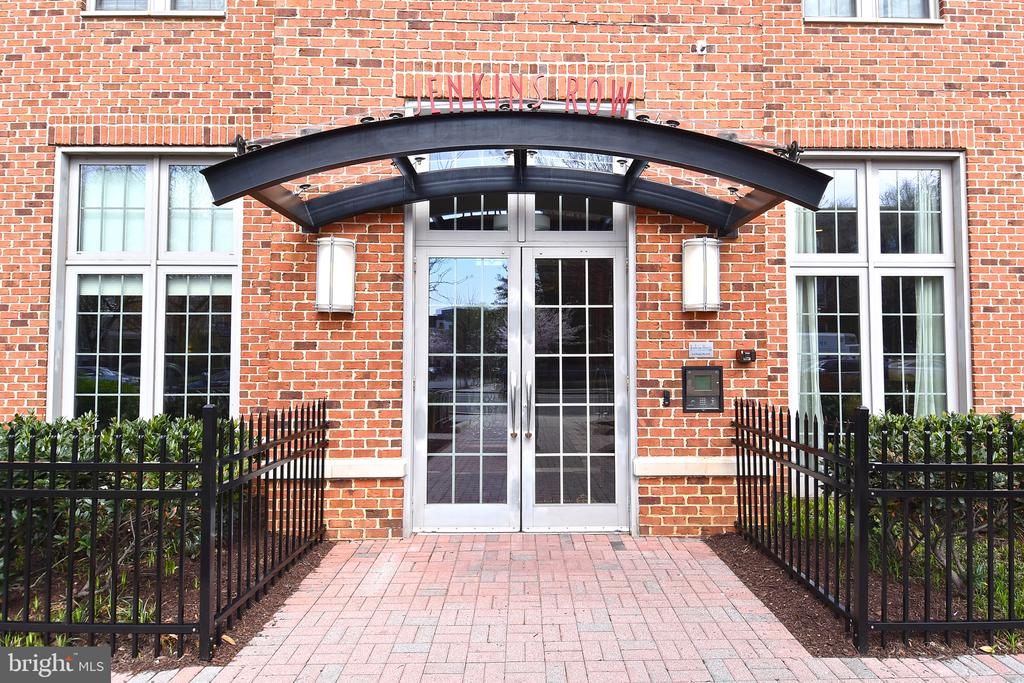 Welcome to Jenkins Row - 1391 PENNSYLVANIA AVE SE #310, WASHINGTON