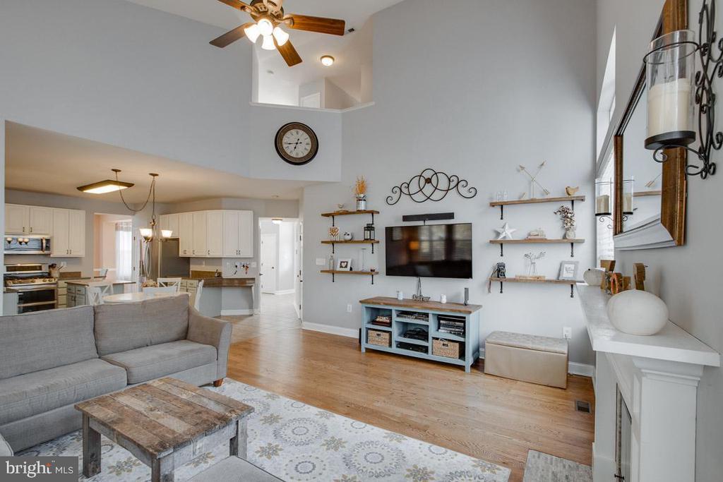 Large Family Room with Woodburning Fireplace! - 1248 BARKSDALE DR NE, LEESBURG