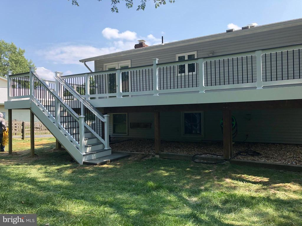 Example of Trex deck that is to be built - 1402 S RANDOLPH ST, ARLINGTON