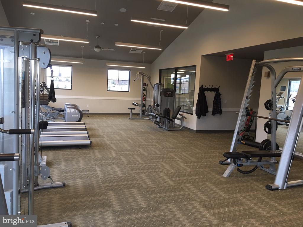 Community Fitness Center - 1207 SHENANDOAH VIEW PKWY, BRUNSWICK