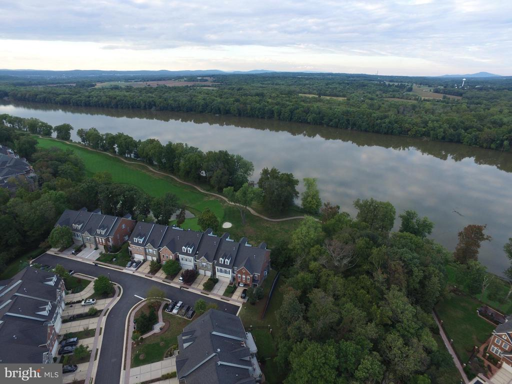 Great view of Potomac River from all four levels. - 18290 BUCCANEER TER, LEESBURG