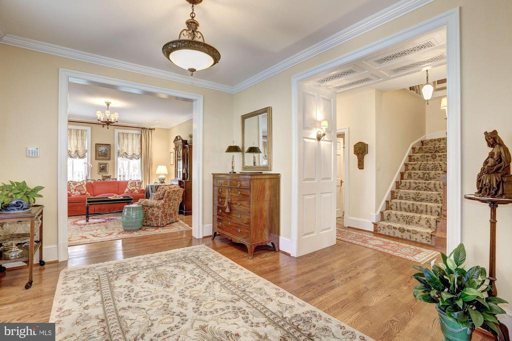 Foyer - 7116 FAIRFAX RD, BETHESDA