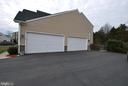 Oversize 4-car Garage - 24436 PERMIAN CIR, ALDIE