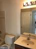 Bathroom - 905 STONEFIELD SQ NE, LEESBURG