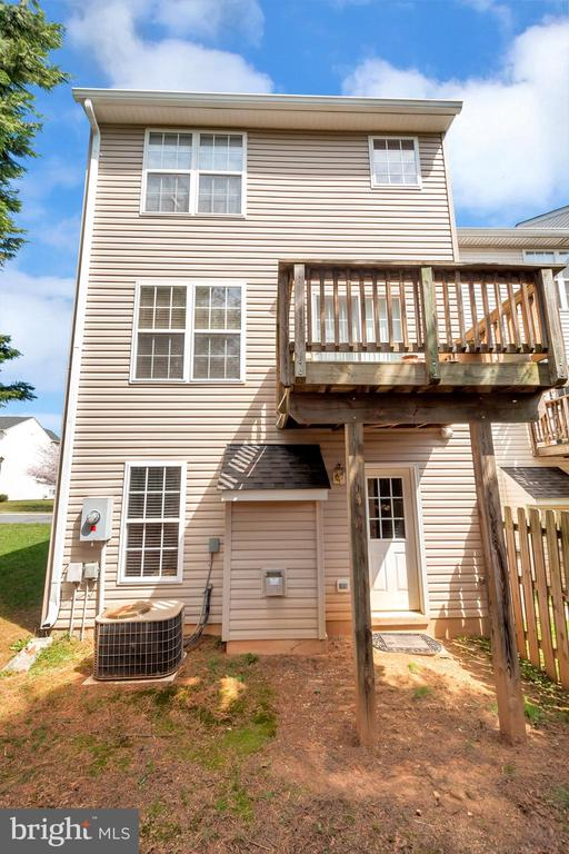 Rearview of townhome  from backyard - 10019 GANDER CT, FREDERICKSBURG