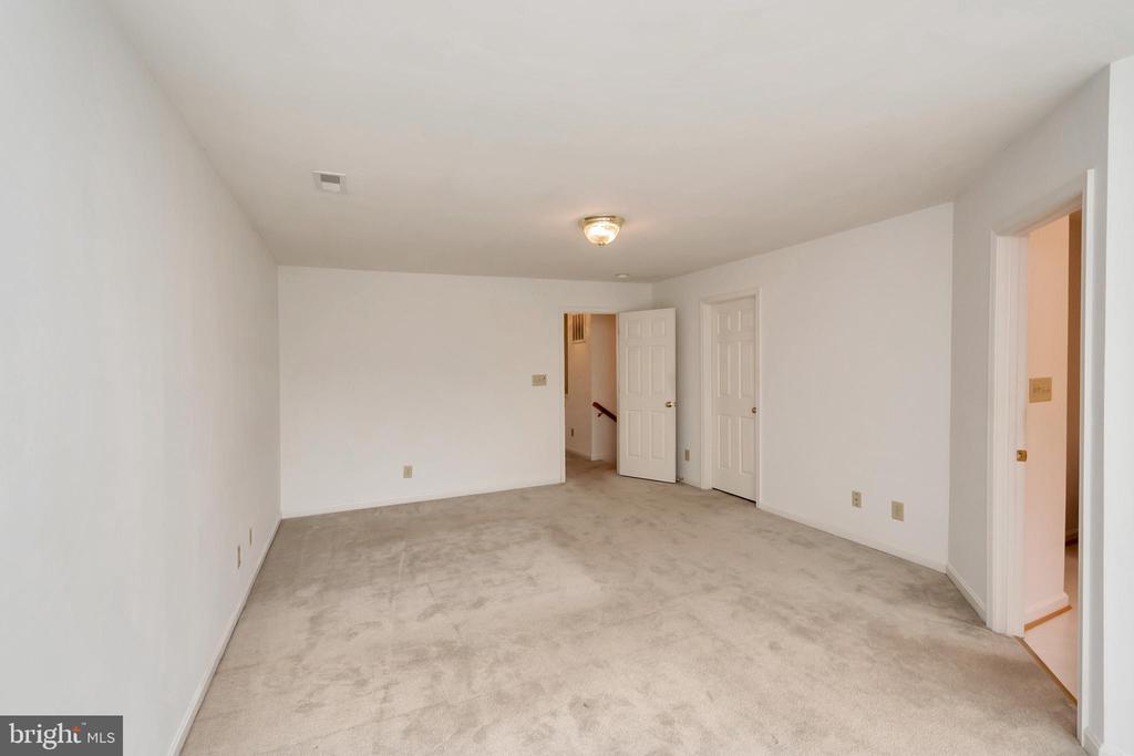 Master suite - 10019 GANDER CT, FREDERICKSBURG