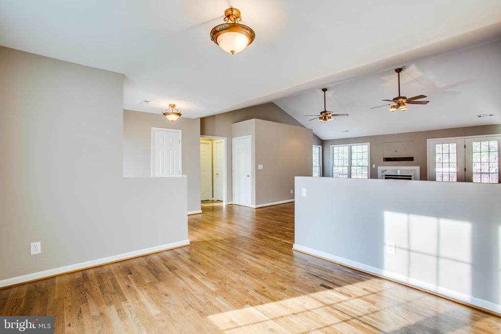 Open from dining room to great room - 7407 BARRISTER CT, SPOTSYLVANIA