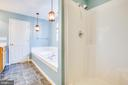 Separate shower in Master Bath - 7407 BARRISTER CT, SPOTSYLVANIA