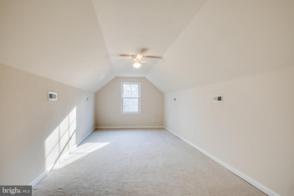 Could be craft/play/exercise room or office - 7407 BARRISTER CT, SPOTSYLVANIA
