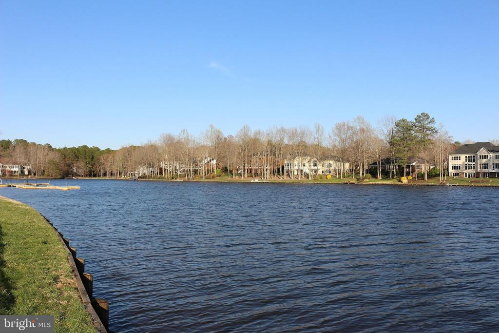 Home is located in the premier Country Club cove! - 11308 STONEWALL JACKSON DR, SPOTSYLVANIA