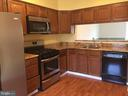 Kitchen with a view - 44011 FALMOUTH CT, ASHBURN
