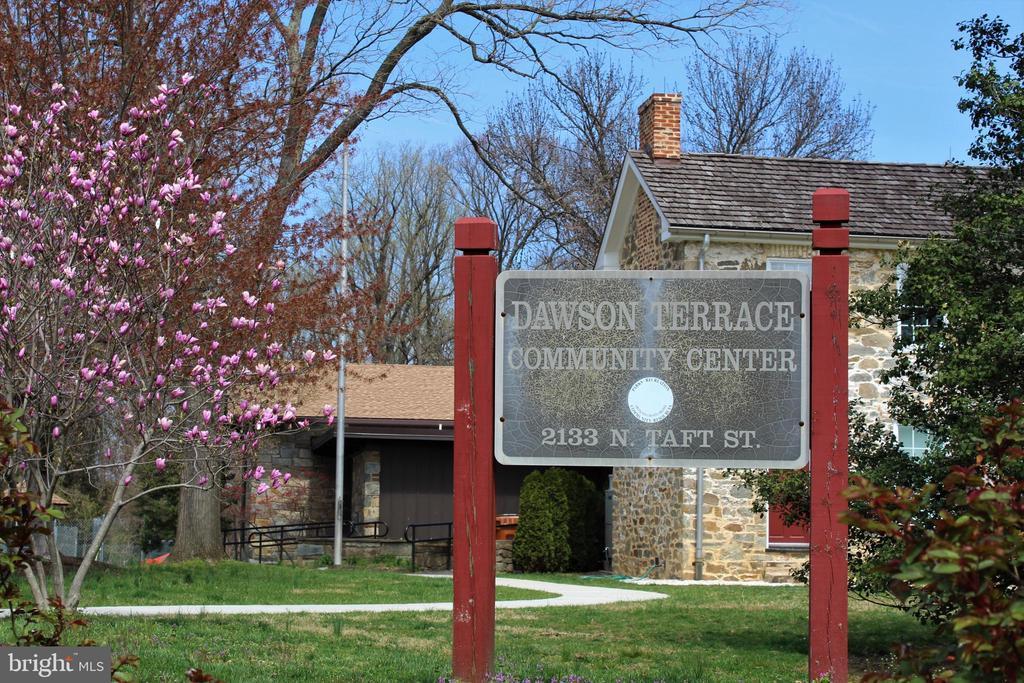 Dawson Terrace Park - 2131 N SCOTT ST, ARLINGTON