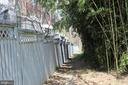 Walkway outside the Fence - 2131 N SCOTT ST, ARLINGTON