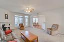 Expansive living rm- gas fireplace - 126 YORKTOWN BLVD, LOCUST GROVE