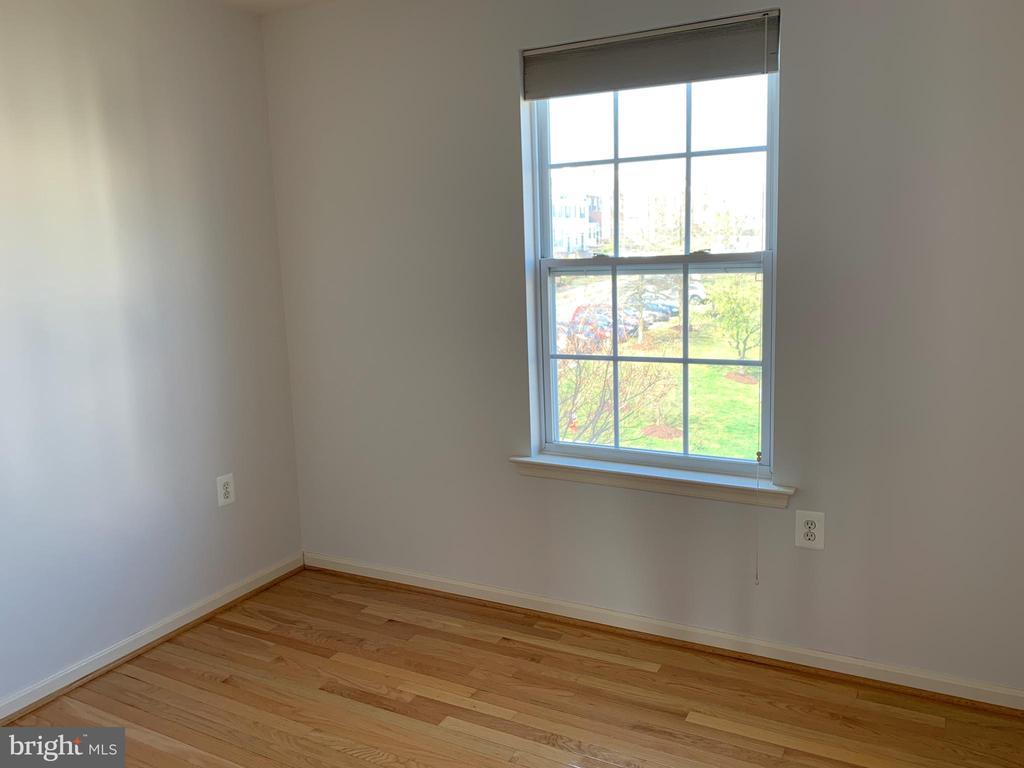 Bedroom 3 - 651 MCLEARY SQ SE, LEESBURG