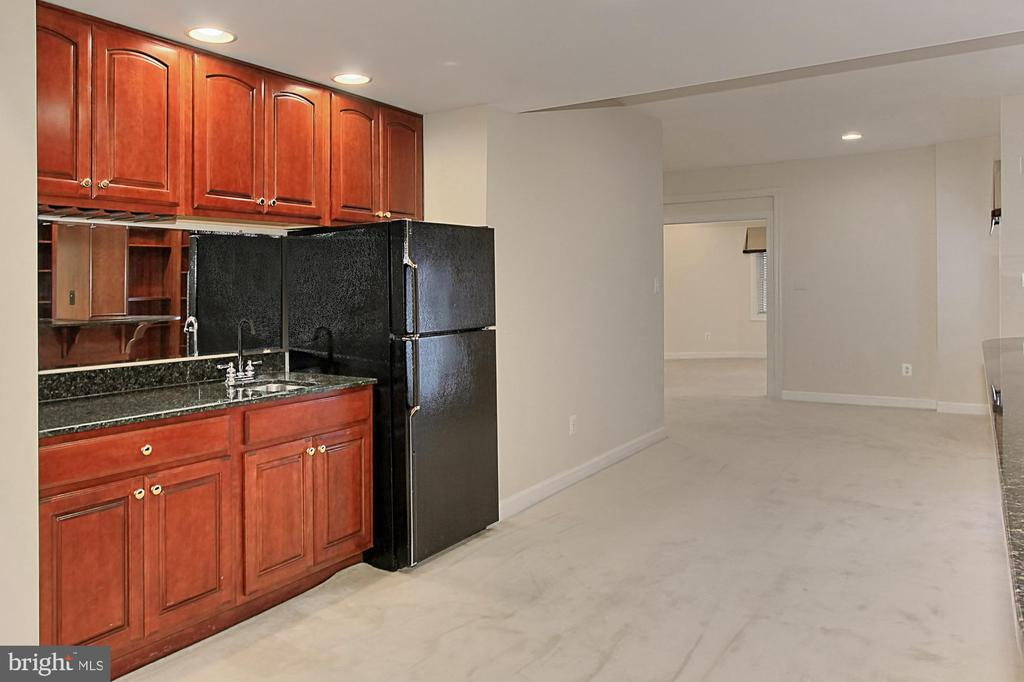 Kitchenette in Basement with Sink and Fridge - 8260 ROSELAND DR, FAIRFAX STATION