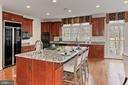 - 8260 ROSELAND DR, FAIRFAX STATION