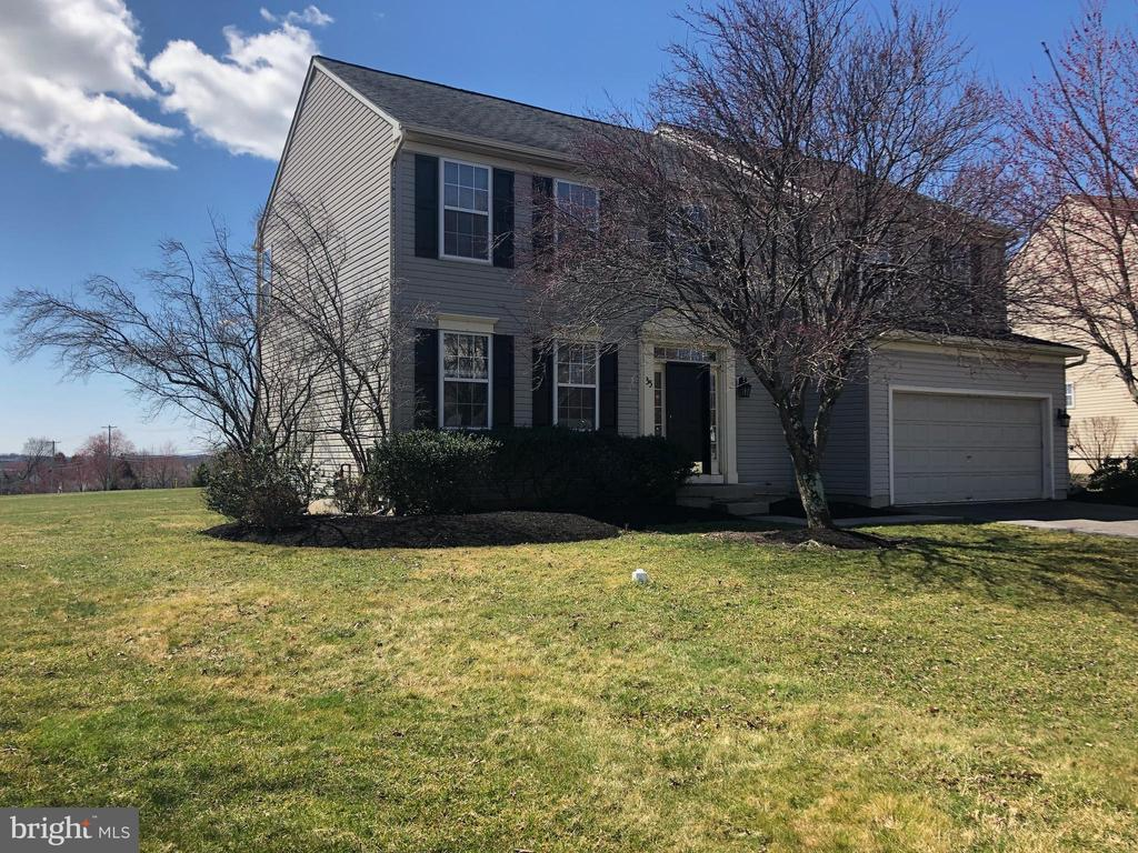 35  CRITTENDEN DRIVE, Newtown in BUCKS County, PA 18940 Home for Sale